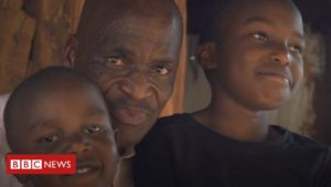 Read more about the article Coronavirus: A father's fears in Kenya's crowded Kibera settlement