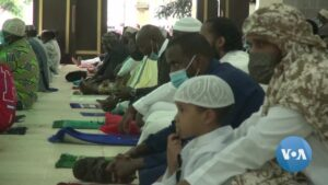 Read more about the article Millions of African Muslims Mark Eid Holiday Amid Uncertain Times | Voice of America