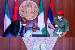 Read more about the article Buhari To Meet Security Chiefs Amid COVID-19 Isolation