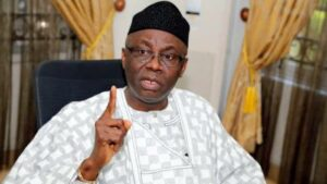Read more about the article Nothing Wrong If A Northerner Succeeds Buhari In 2023 – Tunde Bakare