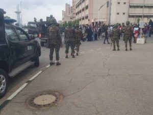 Read more about the article Military Personnel Prevent #ENDSARS Protesters From Entering National Assembly In Abuja