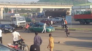 Read more about the article BREAKING: Again, Armed Thugs Attack #ENDSARS Protesters In Abuja