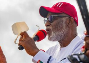 Read more about the article BREAKING: Akeredolu Orders Fulani Herdsmen To Vacate Ondo Forests Within A Week, Bans Night Grazing