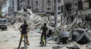 Read more about the article Ceasefire can't hide scale of destruction in Gaza, UN warns, as rights experts call for ICC probe |