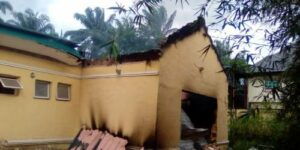 Read more about the article Gunmen Burn INEC Office In Imo During IPOB's Sit-At-Home Order
