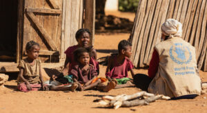 Read more about the article Madagascar's hungry 'holding on for dear life', WFP chief warns |