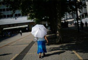 Read more about the article UK Leaves Out Pregnant People from Heat Health Warnings