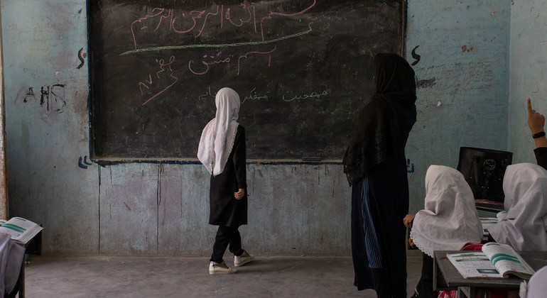 Read more about the article Afghanistan: Girls' education must be a given, urges deputy UN chief  