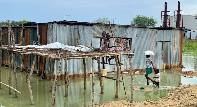Read more about the article UNHCR responding to worst flooding in decades in South Sudan  